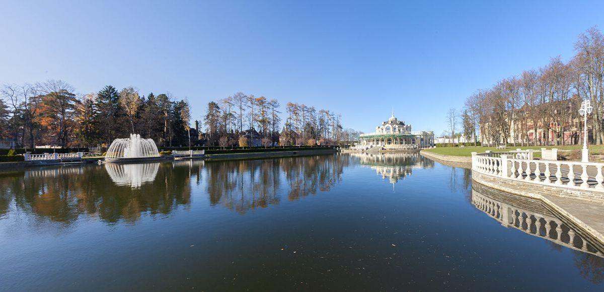 Панорама озера в КП Довиль