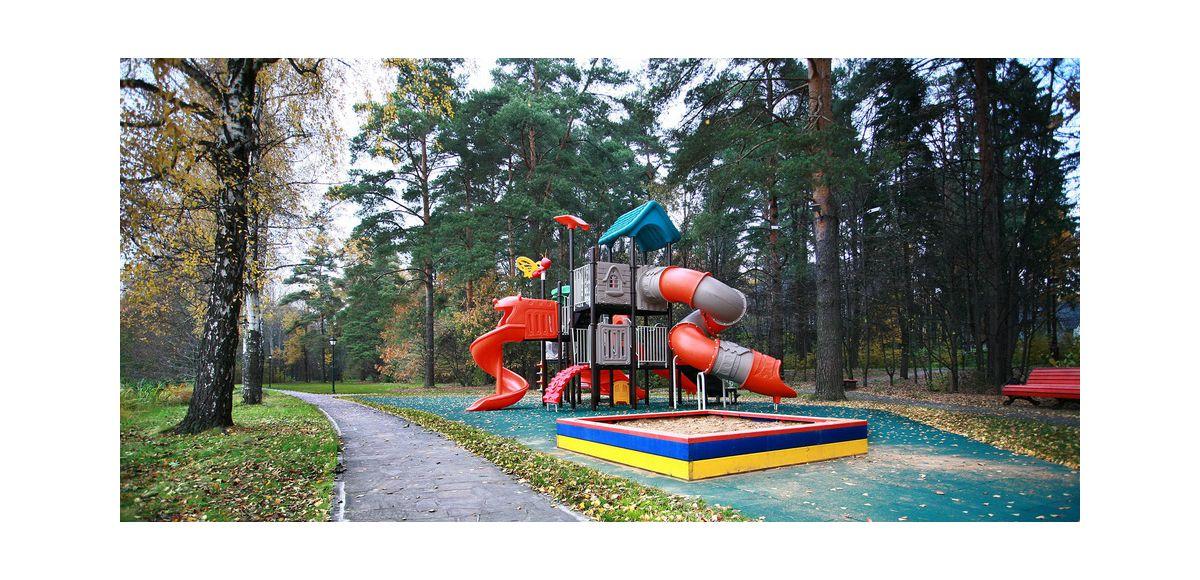Детская площадка №2 в КП Довиль