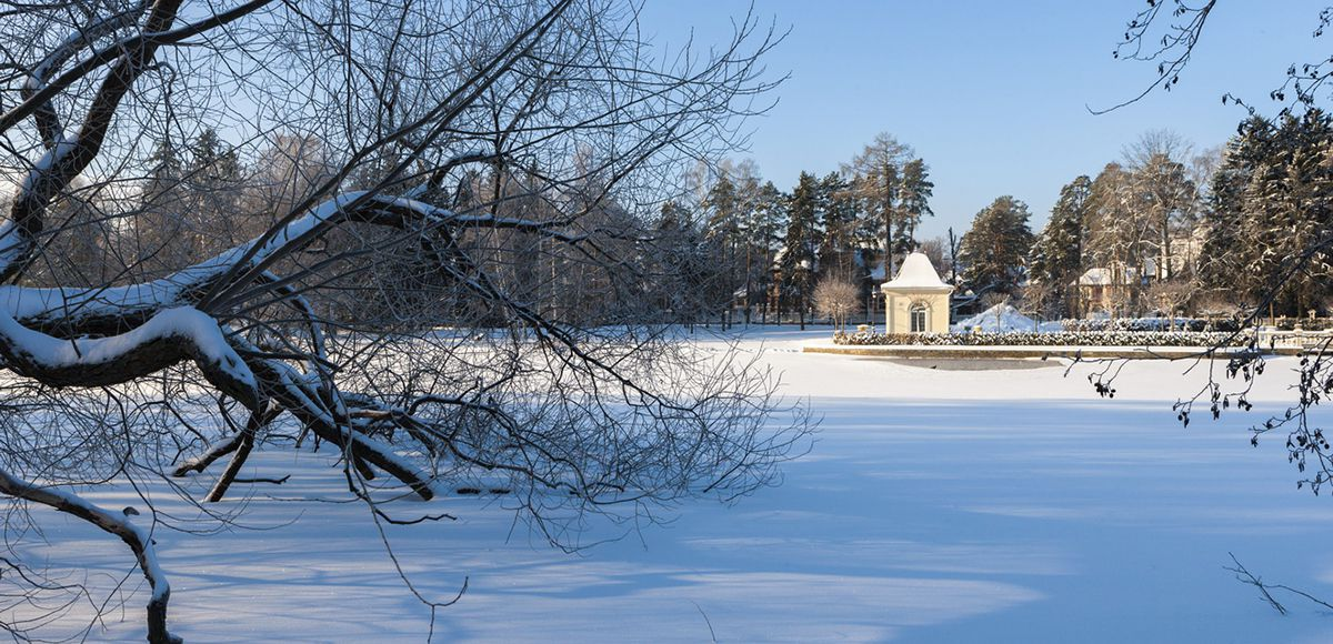 Озеро поселка Довиль, зимой