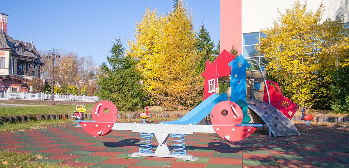Детская площадка для малышей поселок Довиль