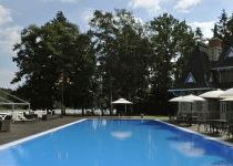 Бассейн летнего кафе Довиль